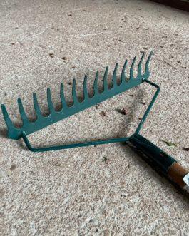 Ayrford 14 Teeth Steel Rake